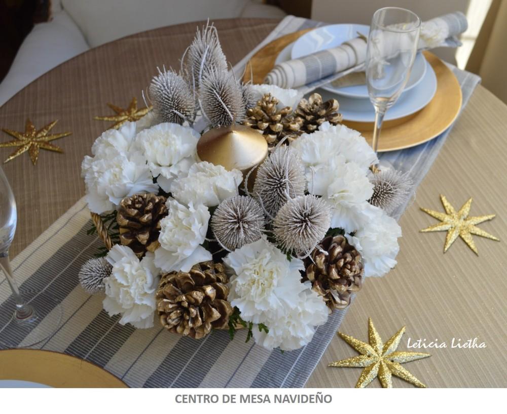 centro-de-mesa-navideno-en-dorado-y-blanco-membrete